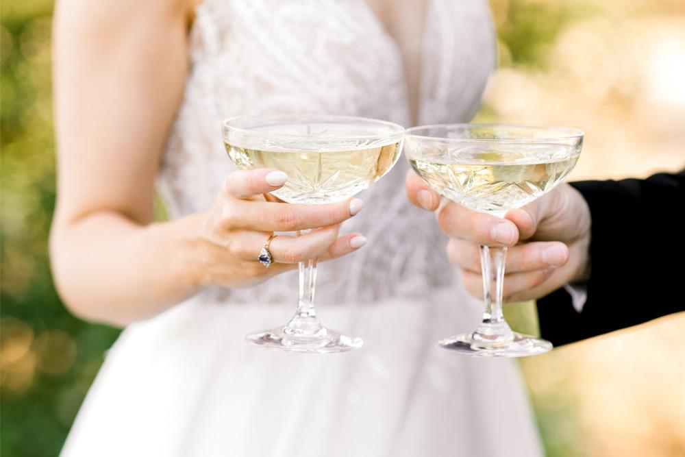 um-brinde-aos-noivos-a-dois